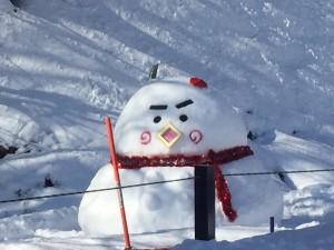 第3ペアリフト横のづなっち雪だるま