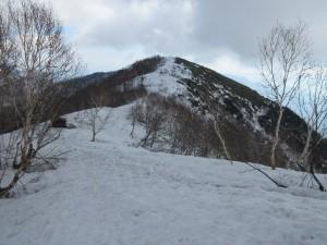 南峰より山頂への稜線