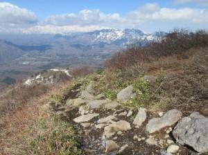 南峰登山道より戸隠山を望む