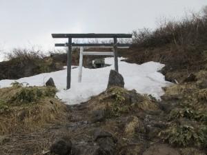南峰の神社