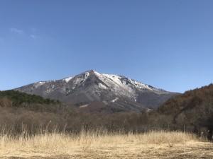 大谷地湿原から見た飯縄山