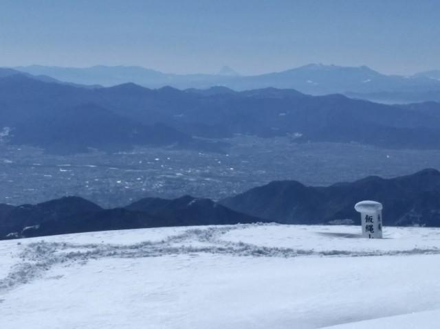 中央に富士山